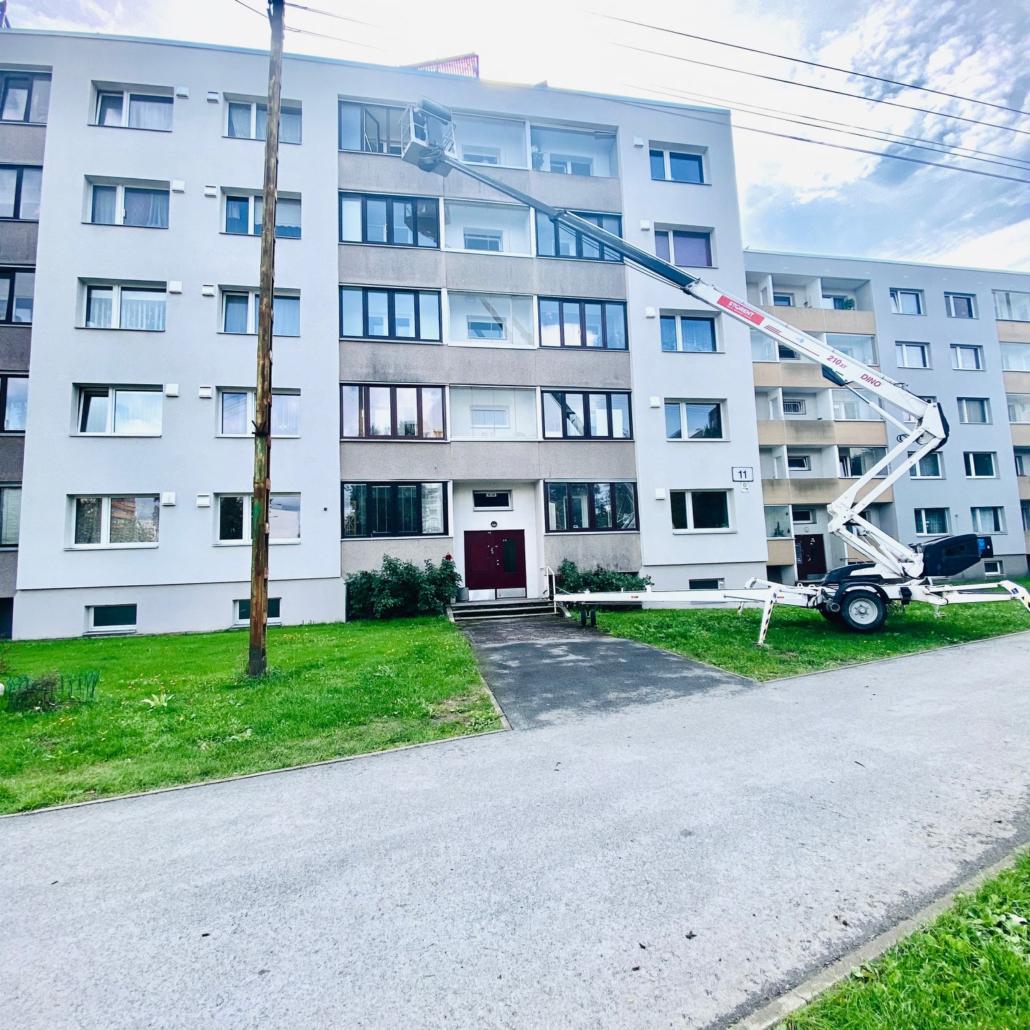 Õismäe KÜ aknapesu tõstukiga (august 2021)